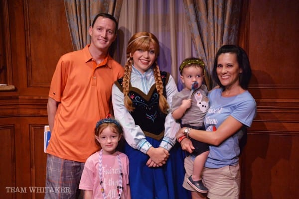Wonder what it's really like to meet the Frozen duo of Anna and Elsa at Walt Disney World? Wonder no more.