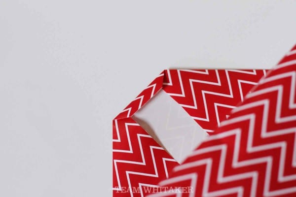 Love to wrap presents for Christmas, birthdays or other celebrations? This easy pictorial step-by-step guide will make you look like a pro!